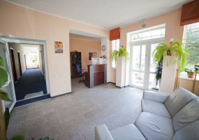 Truskavets, L'vivs 'ka Oblast', 13 Bedrooms Bedrooms, ,13 BathroomsBathrooms,Villa,For Sale,Truskavets,12123