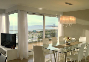 Punta Del Este, Maldonado, 4 Bedrooms Bedrooms, ,1 BathroomBathrooms,Apartment,For Sale,Punta Del Este,13563