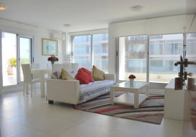 Punta Del Este, Maldonado, 3 Bedrooms Bedrooms, ,Apartment,For Sale,Punta Del Este,13586