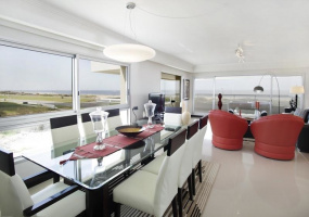 Punta Del Este, Maldonado, 3 Bedrooms Bedrooms, ,Apartment,For Sale,Punta Del Este,13611