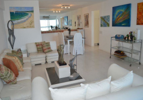 Punta Del Este, Maldonado, 3 Bedrooms Bedrooms, ,Apartment,For Sale,Punta Del Este,13621