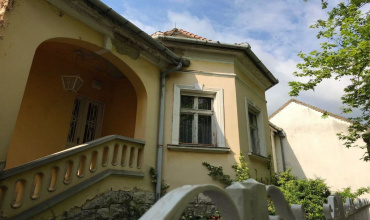 Tata, Komarom-Esztergom, 4 Bedrooms Bedrooms, ,Apartment,For Sale,Tata,18451
