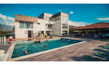 Departamento del Quindío, Armenia, 9 Bedrooms Bedrooms, ,8 BathroomsBathrooms,Villa,For Sale,Departamento del Quindío, Armenia,20694