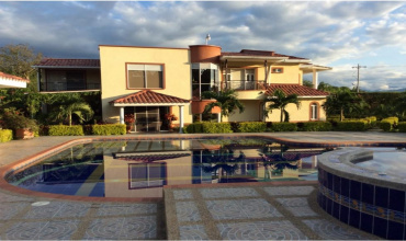 Colombia, Armenia, 6 Bedrooms Bedrooms, ,7 BathroomsBathrooms,Villa,For Sale,Colombia, Armenia,20802
