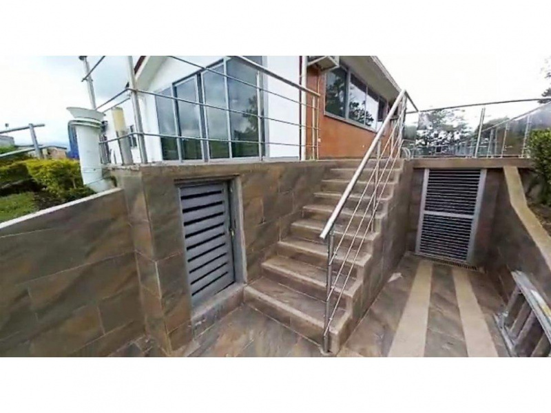 Colombia, Armenia, 4 Bedrooms Bedrooms, ,5 BathroomsBathrooms,Villa,For Sale,Colombia, Armenia,20828