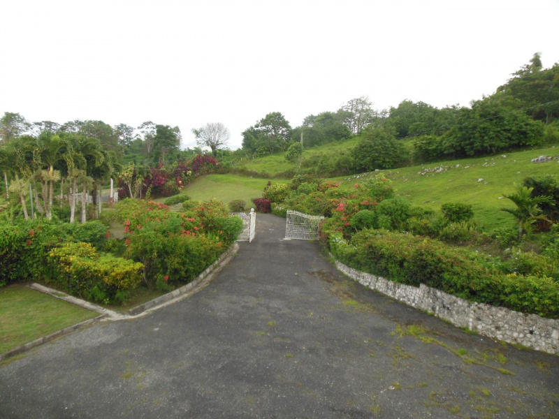 St. Ann, Lime Hall, 5 Bedrooms Bedrooms, ,5 BathroomsBathrooms,Apartment,For Sale,29798