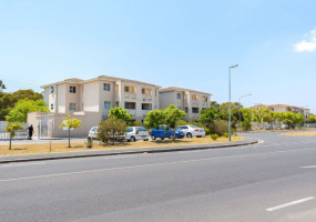 Thornton, Cape Town, 2 Bedrooms Bedrooms, ,1 BathroomBathrooms,Apartment,For Sale,Thornton,4836
